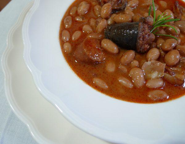 Potaje de alubias rojas con morcilla y chorizo
