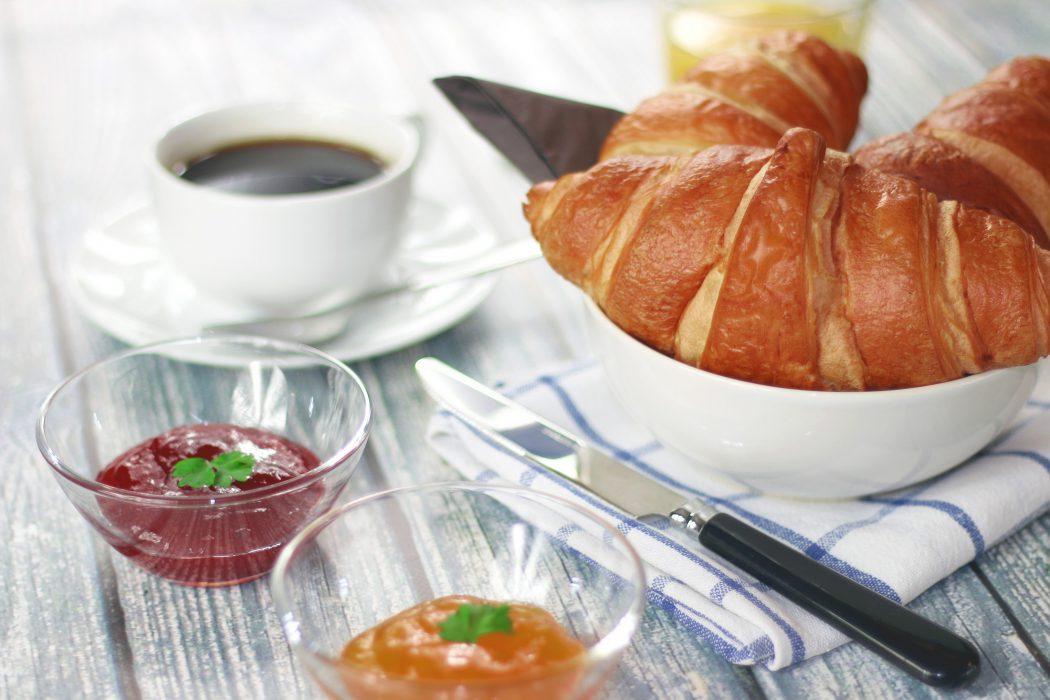 Desayuno croissant