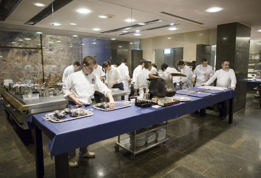 La cocina de el Bulli con Ferran Adria al frente