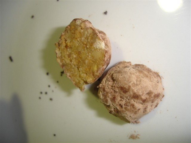 Trufas de nuez y chocolate con galletas maría