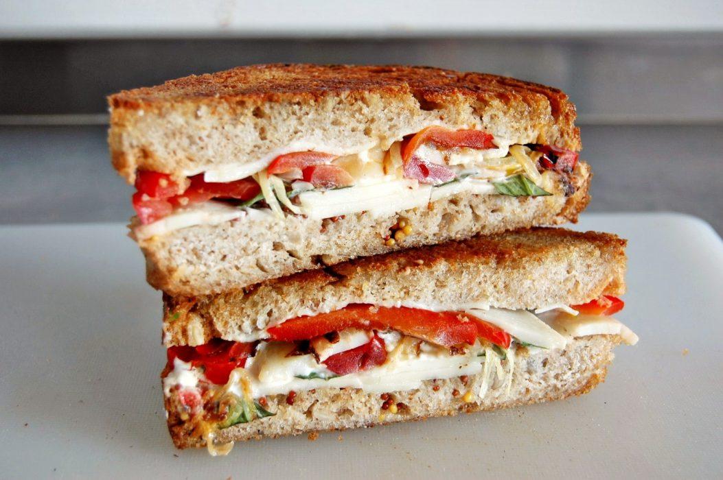 Sándwich de queso y pimientos