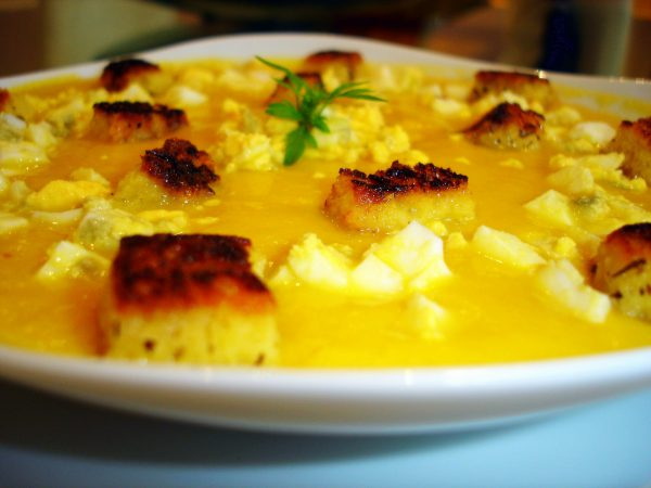 Crema de zanahorias con picatostes