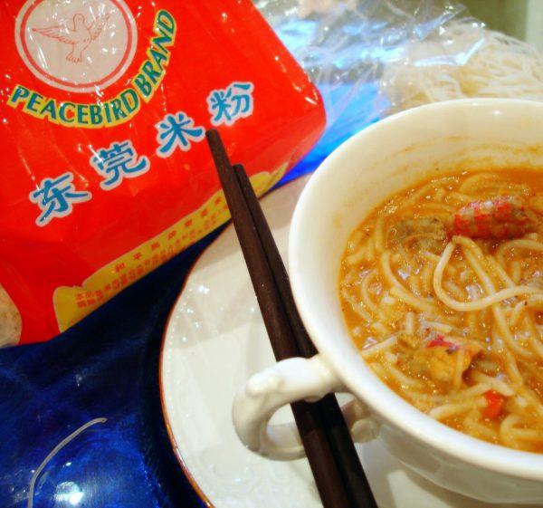 Crema de Cangrejos con Fideos chinos