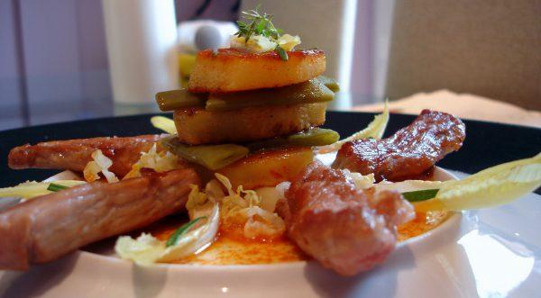 Secreto de cerdo Ibérico con patatas y judías verdes