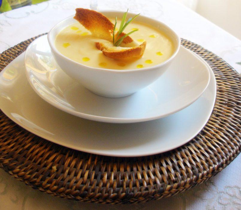 Crema de puerros fría y patatas o vichyssoise