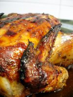 Pollo a la miel de romero asado