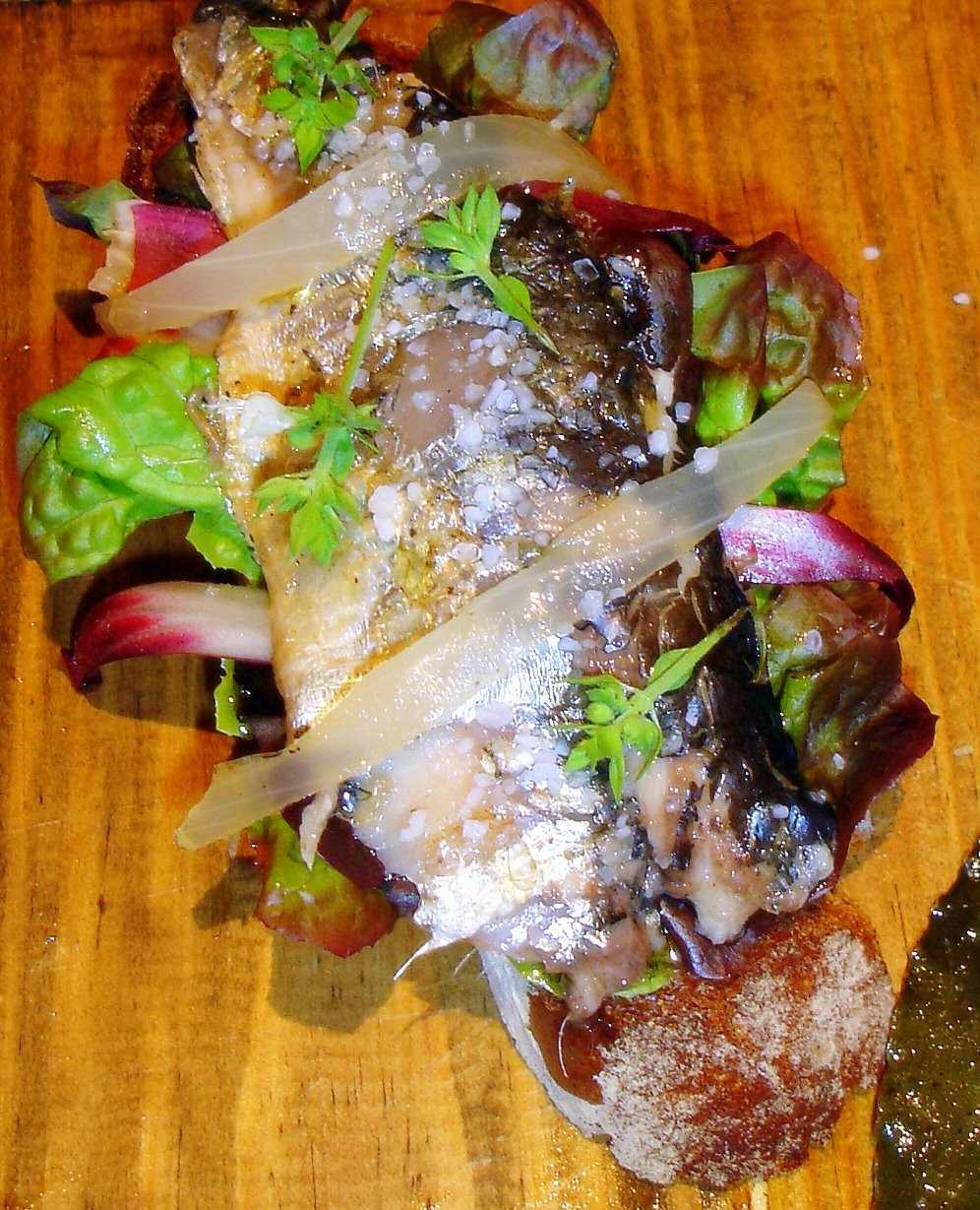 Tosta de sardinas en escabeche