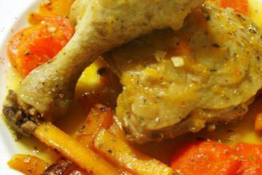 Pollo en salsa con zanahorias y calabaza