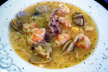 Receta de Sopa de pescado con fideos