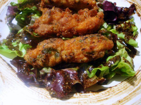 Crujientes de pollo con jengibre y lombarda