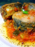 Receta de Melva con fritada de verduras y tomates