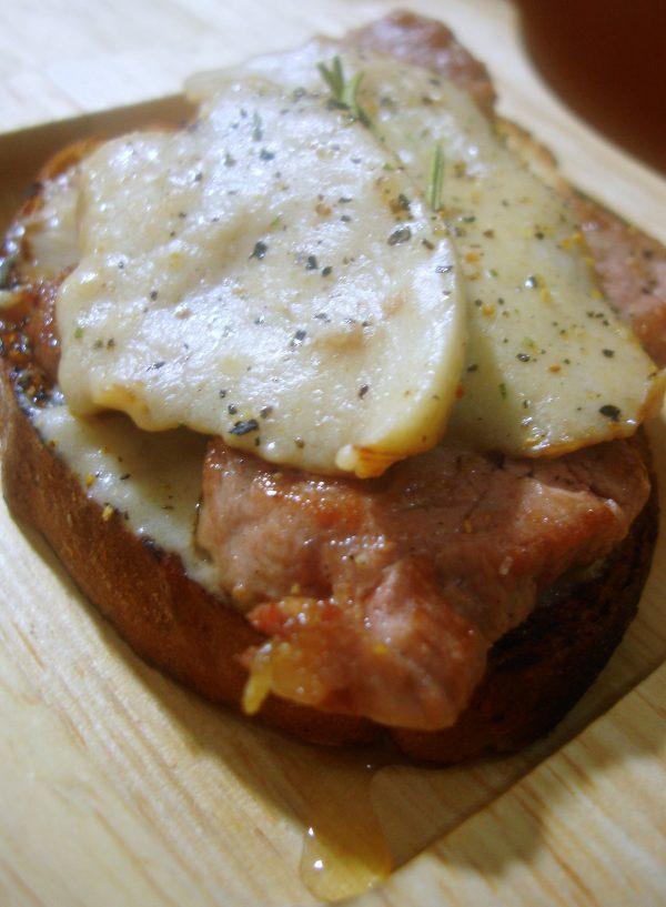 Tapa de solomillo de cerdo con crema de boletus