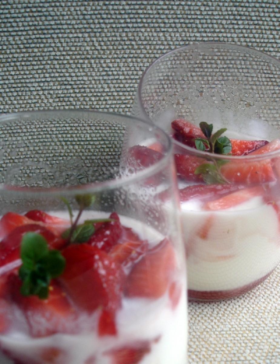 Fresones con yogur ecológico
