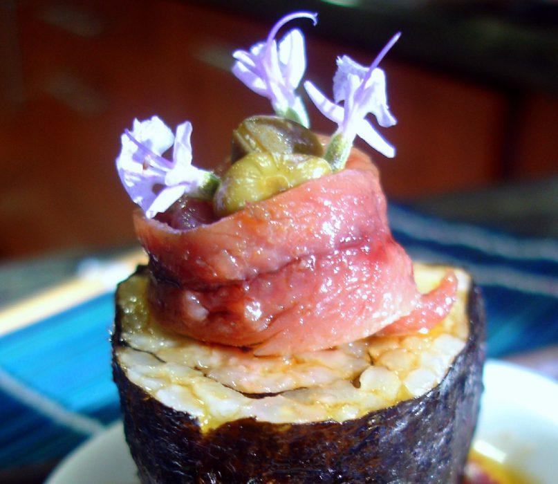 Sushi con anchoas y alcaparras 1