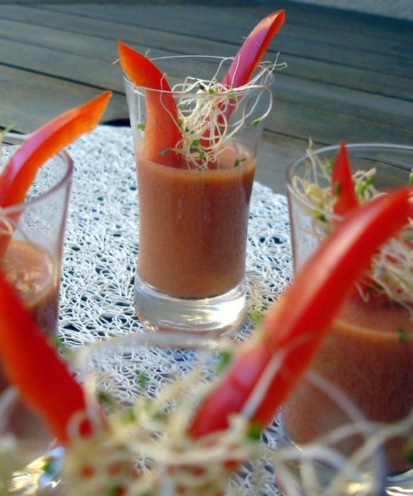 Jugo de tomate y pimiento rojo