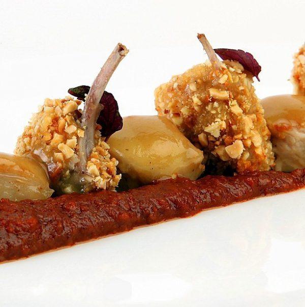 Chuletillas de conejo con Salsa Romesco
