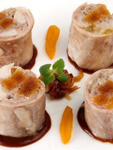 Royal de lomo de conejo con salsa de chocolate (2)