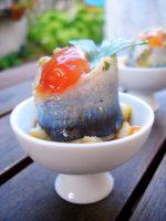 Sardinas marinadas rellenas de crema de aceite y sepia