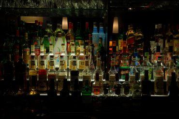Bar bebidas alcohol modelo