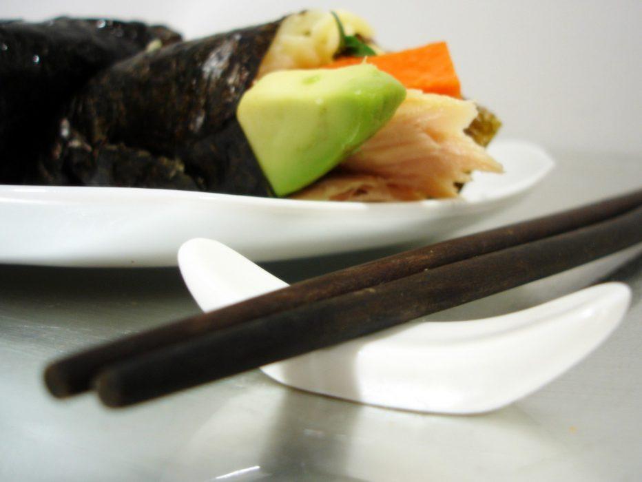 Sushi Temaki de orzo y ventresca de bonito (2)
