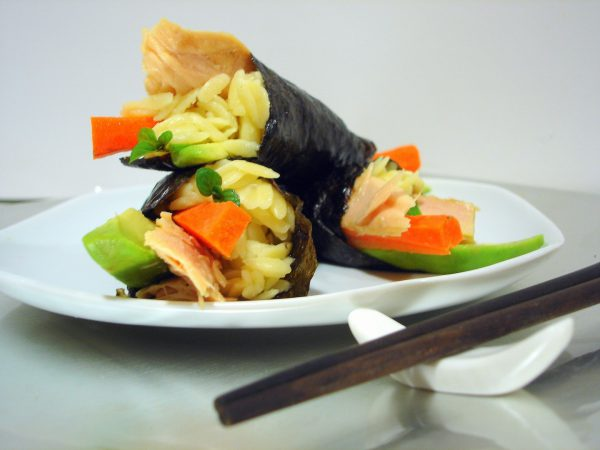 Sushi Temaki de orzo y ventresca de bonito