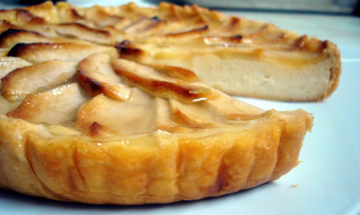 Tarta de manzana con hojaldre facil
