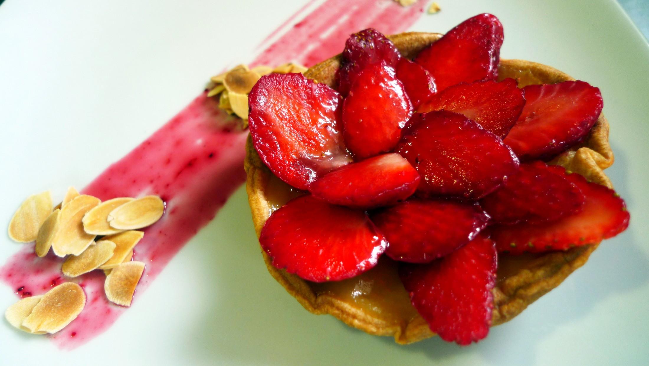 Tartaletas de crema pastelera y fresas