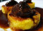 Caprichos de cerdo sobre polenta (2)