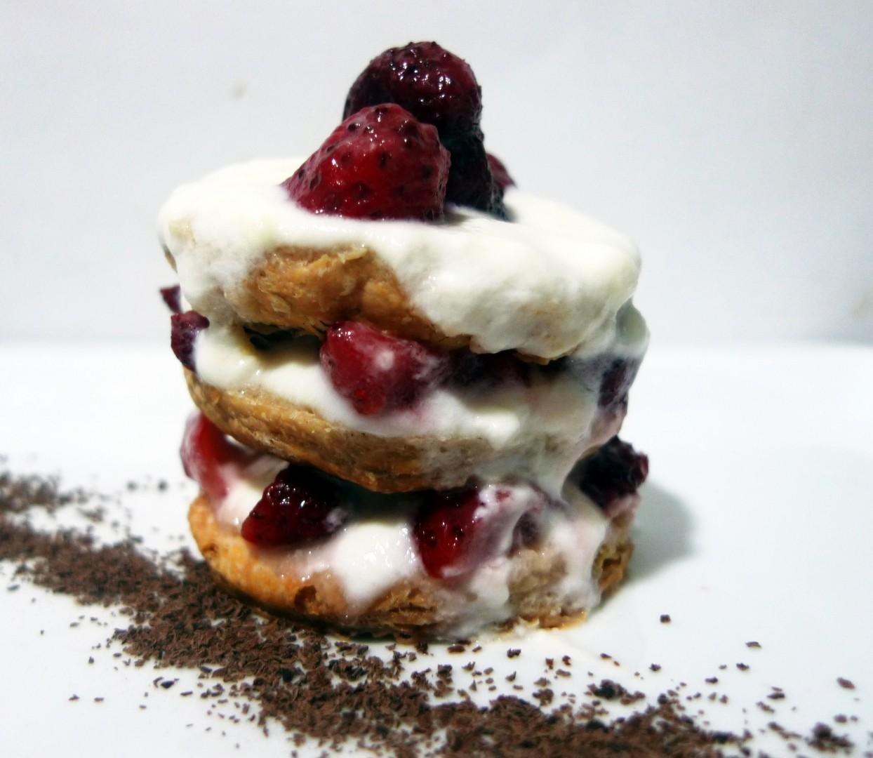 Hojaldre de fresas con yogur (3)