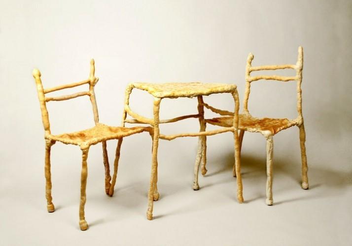 Panpaati, Sillas y mesas hechas de pan (2)