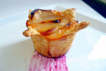 Tarta de manzana en moldes individuales