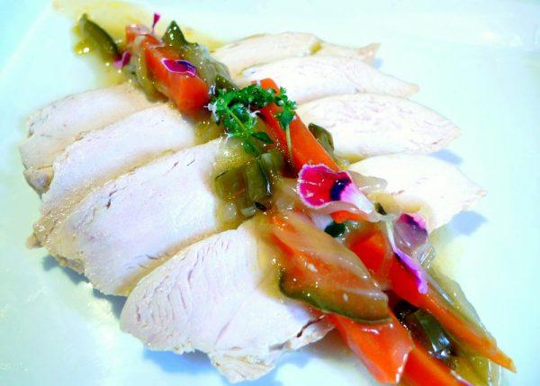 Pechuga de pollo en escabeche de manzanilla