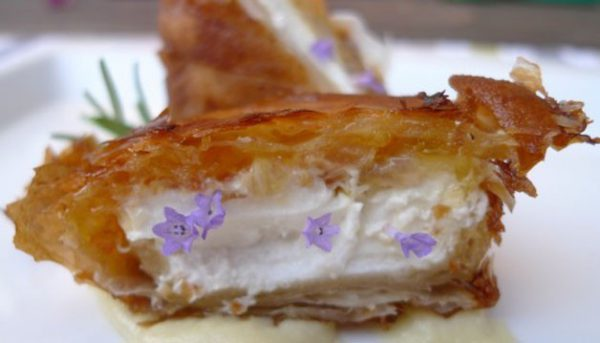 Crujiente de queso de cabra con mermelada de naranja