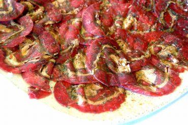 Carpaccio de carne de CaBu con foie e ibéricos