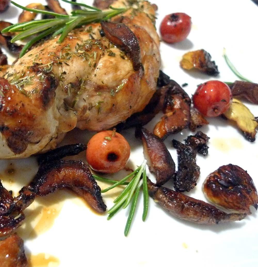 Pechuga de pollo con niscalos y castañas