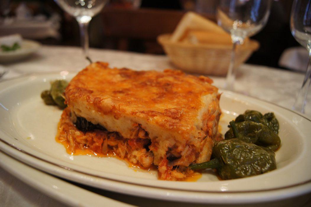 Capas de Berenjena con bonito al horno, gratinadas con queso - Restaurante Casa Zaca