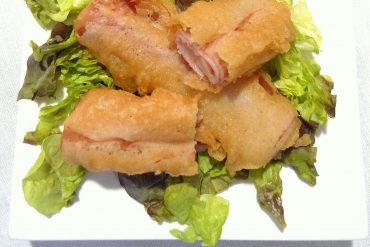 Rollitos de jamón york y queso en tempura 1