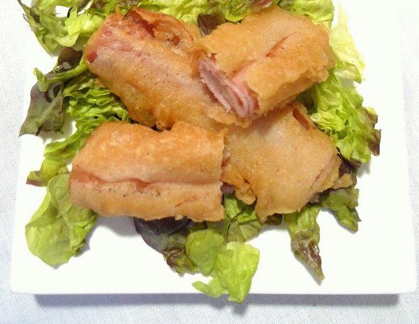 Rollitos de jamón York y queso en tempura