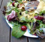 Ensalada de cerezas con queso brie a la plancha1