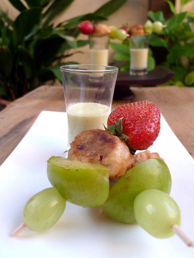 Crema de pepino y ciruelas con brocheta de frutas 5