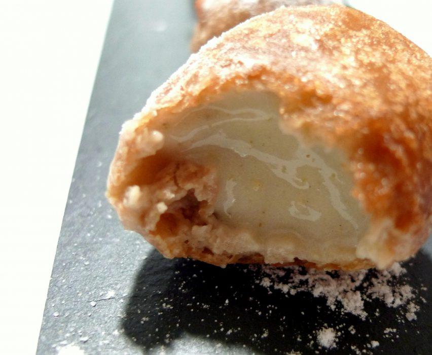 Buñuelos rellenos de crema de castañas