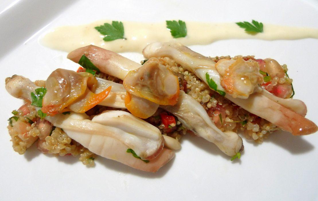 Ensalada de quinoa con granada, navajas y berberechos 2