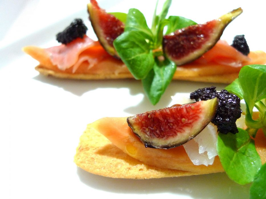 Tosta de papaya, bacalao e higos 2