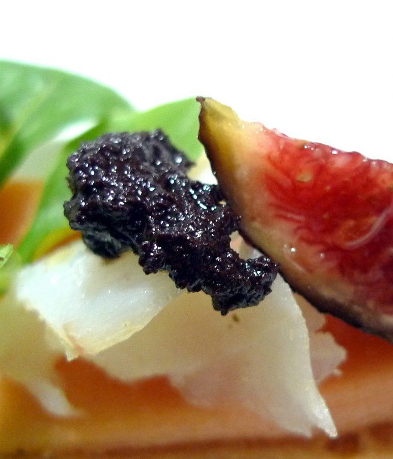 Tosta de papaya, bacalao e higos 6