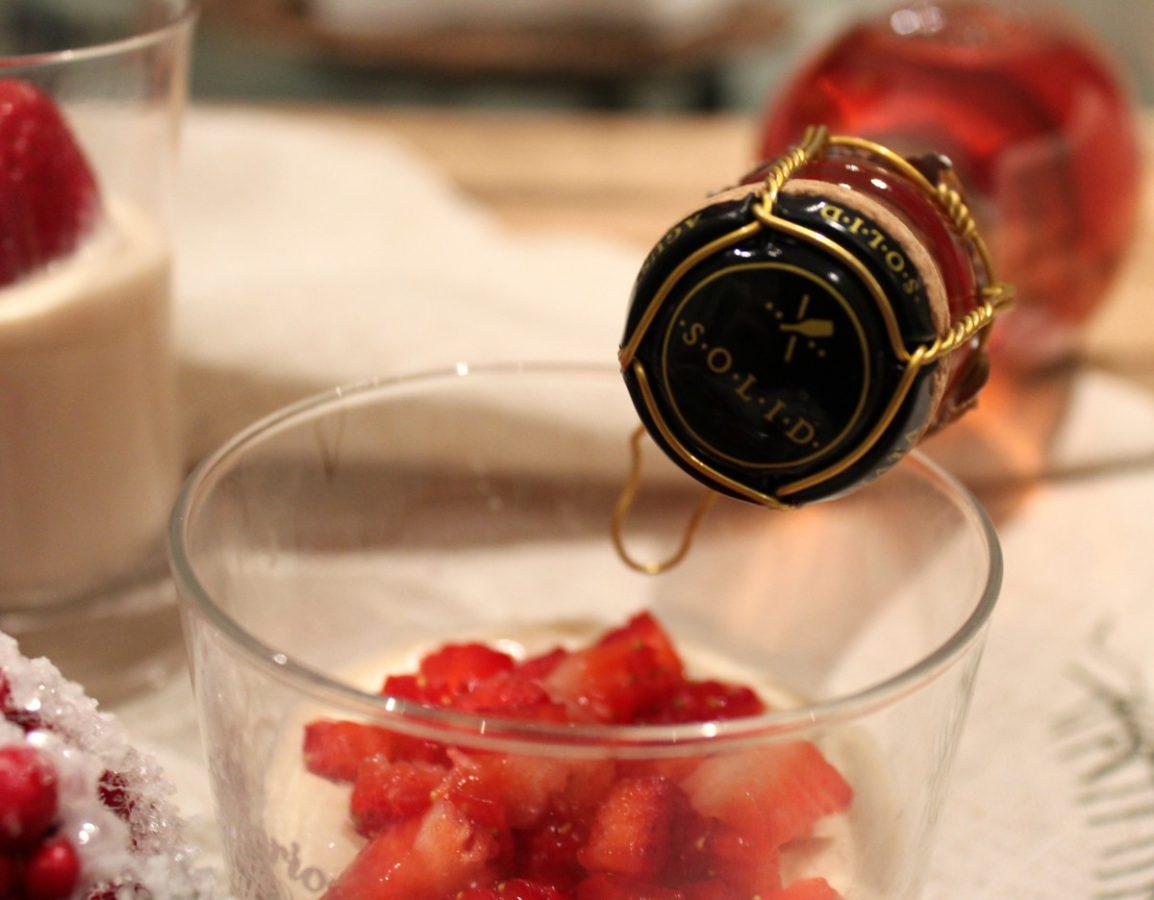 Crema de foie con fresas y cava solido