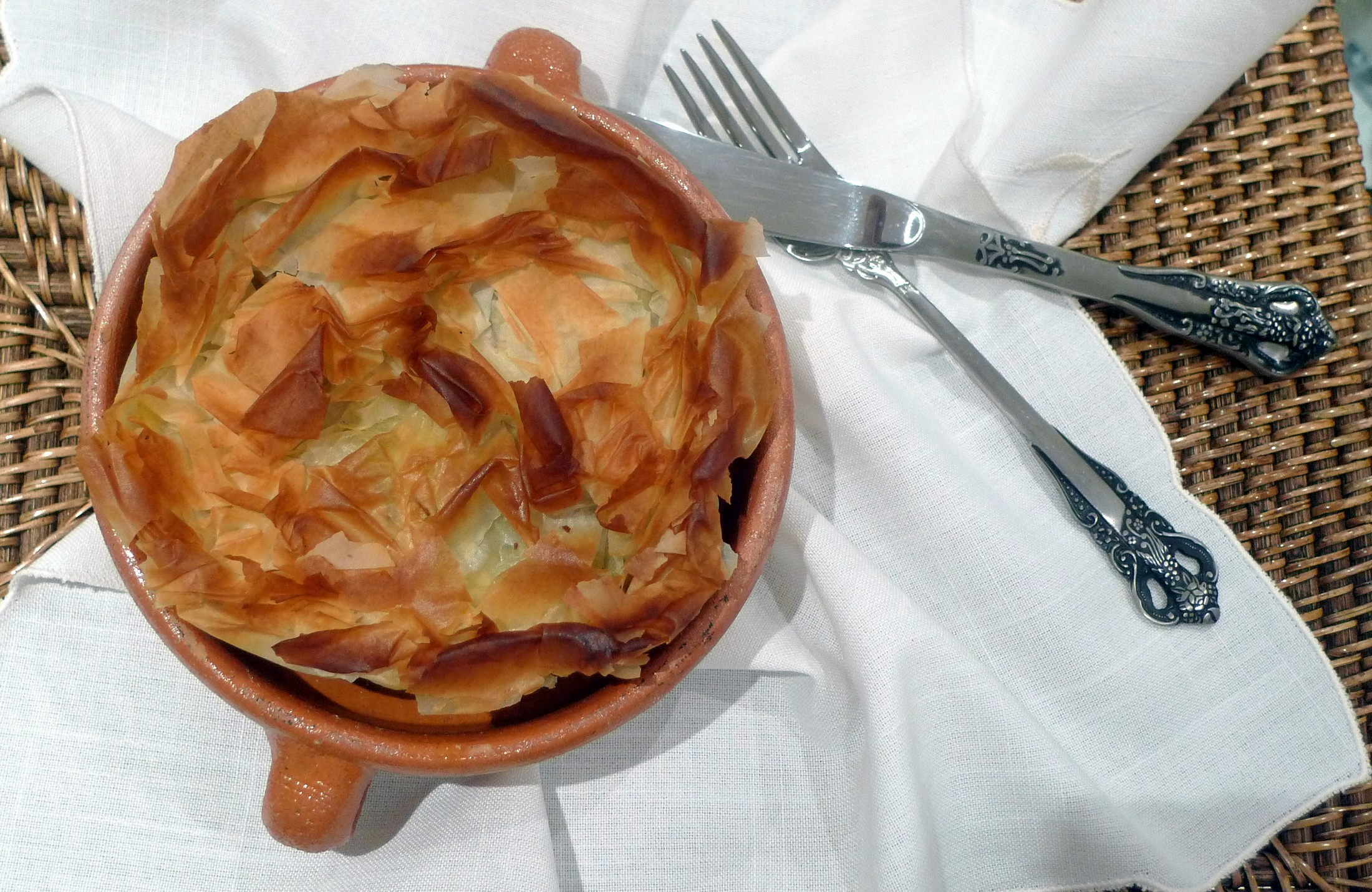 Pastel de verduras en pasta filo