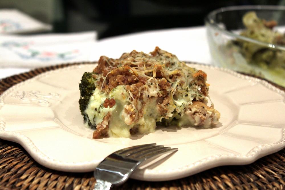 Brócoli con albondigas gratinado