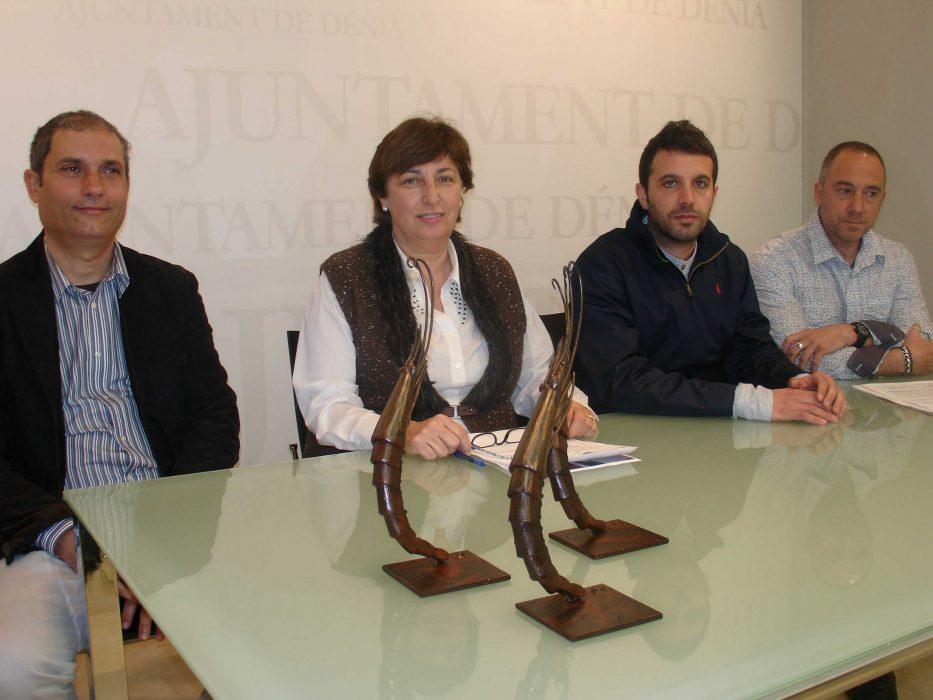 La concejala de Turismo, Pepa Font, y los cocineros Diego Mena y Rafa Soler, en representación del jurado de preselección