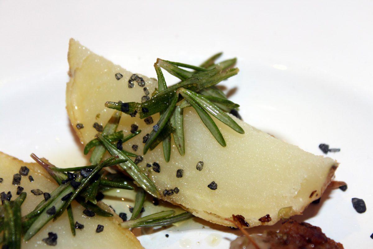 Pluma ibérica a la plancha con patata asada 4