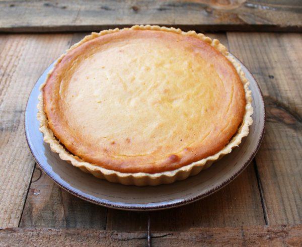 Tarta de queso, almendra y mango